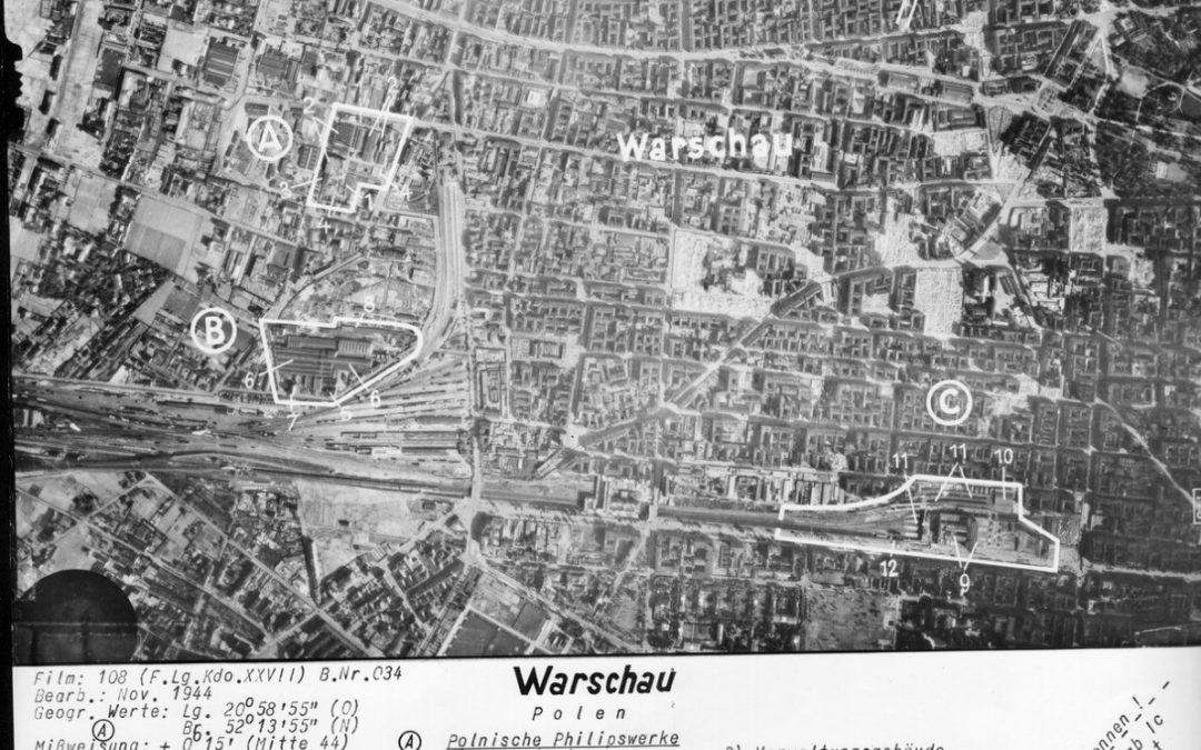 Zdjęcie lotnicze Śródmieścia i Woli z czerwca 1944
